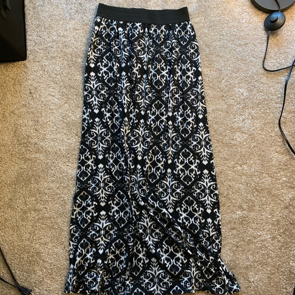 Joe Benbasset Dresses & Skirts - Joe B Patterned Black White Maxi Skirt